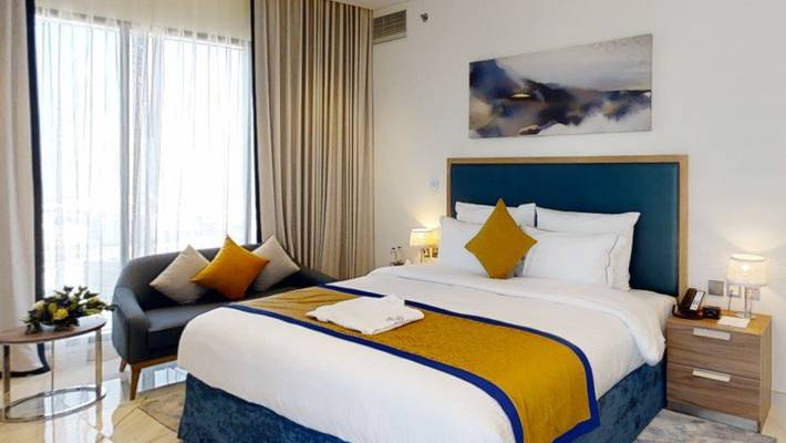 2 bedroom deluxe apartment (king + twin bed) suha mina rashid hotel apartments, bur dubai
